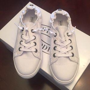 d4650afd3b0872 Nike Roshe One Steve Madden Jane Lace-up Sneaker (brand new) ...